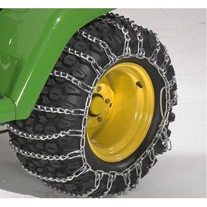 John Deere 23x6.00-12 Single-Ring Tire Chain Set - AM30968